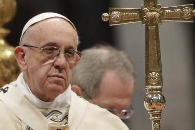 Pope_Francis_frowning_with_cross.jpg