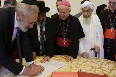 Representatives_of_the_Abrahamic_religions_sign_a_declaration_on_end_of_life_issues_at_the_Vatican_Oct_28_2019_Credit_Vatican_Media.jpeg