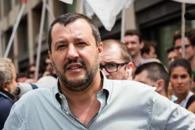 matteo_salvini_crowd_810_500_75_s_c1.jpg