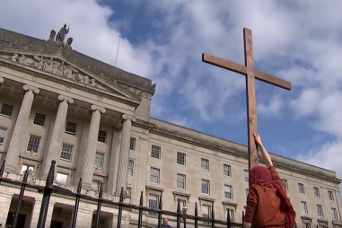 prayers_outside_stormont.png