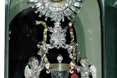 web-lanciano-italy-eucharistic-miracle-eucharist-body-and-blood-real-presence-pd.jpg