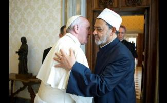 pope-francis-with-Imam_810_500_75_s_c1.jpg