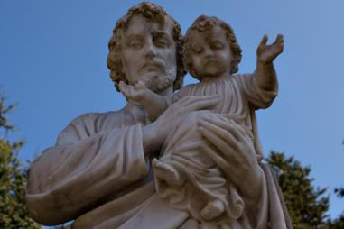 web3-saint-st-joseph-statue-baby-infant-child-jesus-blue-sky-shutterstock.jpg